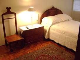 Arriendo para Srta estudiante u oficinista, hermosa habitación amoblada y baño Av.González Suárez