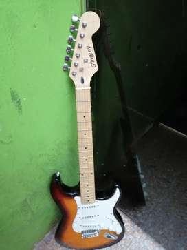 Vendo o cambio Guitarra Electrica marca Stingrey, sin estuche.,uno que otro rayon.