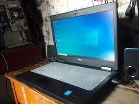Laptop empresarial i7