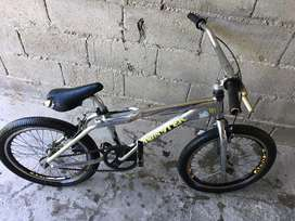 VENDO BICI BMX ROD 20