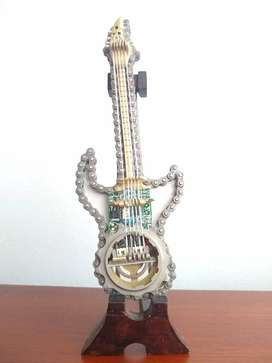 Guitarra Chatarra-Pequeña