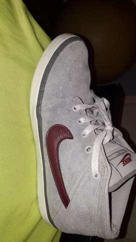 Nike suketo usadas