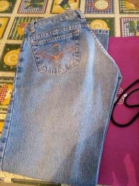 Jeans de Dama Nuevos sin Uso en Su Bolsa