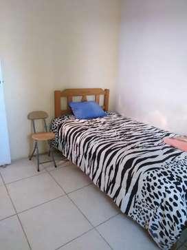 Halquilo 6 habitaciones de externo a 350soles c/u  amoblado y sin amoblar  de extreno   Ingreso independiente  3er piso