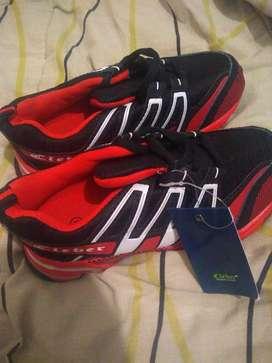 zapatillas de niño talle 31 nuevas!!