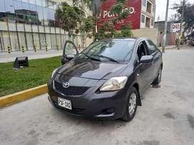 Vendo Toyota Yaris 2010 124,000 km