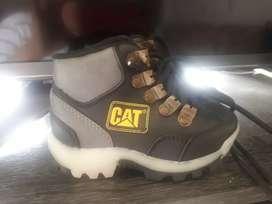 botas para niño cat