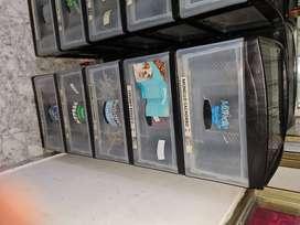 Estanteria y 50 cubiculos para la comida de la mascota pesa todo los accesorios