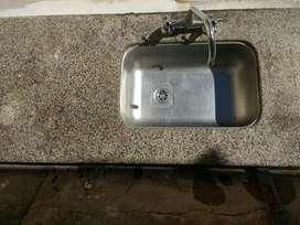 Piedra mesada con bacha y griferia