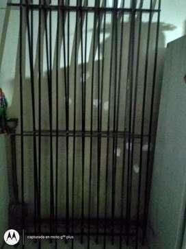 Vendo rejas de 1m x 2m hierro macizo $4000
