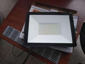 vendo reflectores led luz blanca