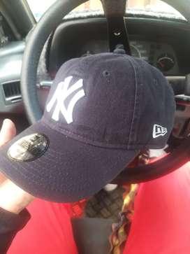 Vendo o cambio gorra original nueva
