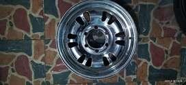 Rin Nissan patról en acero exelente estado Cromado