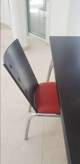 mesa con 2 sillas comedor