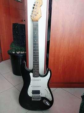 Guitarra Eléctrica Stratocaster En Excelente Estado