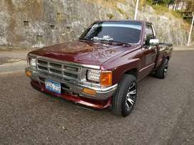 Toyota Hilux/Impecable 22r Nitido