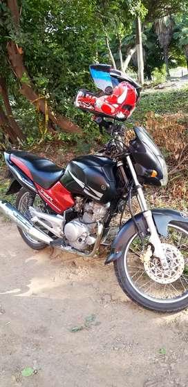 Venta de moto yamaha ybr125 motivo viaje