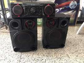 Consola de sonido LG