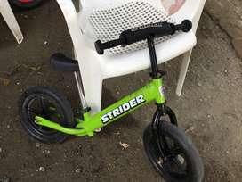 Se vende bicicleta de Balance niño marca strider