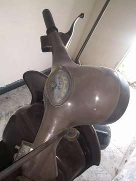 Vendo moto Vespa antigua de colección toda orijinal y f z 50 modelo 86