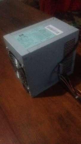 Fuente HP 365 W, 100 - 240 v, 50 - 60 Hz,