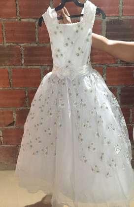 Vendo o se alquilar vestidos primera comunión