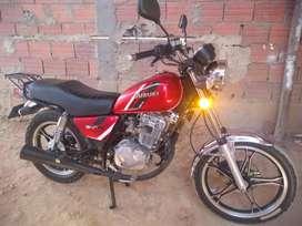 Se vende moto suzuki con documentos al dia
