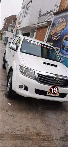 Toyota Hilux 4x4 srv 2013