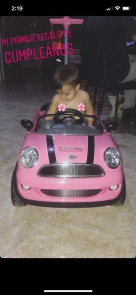 Se vende carro para niña con sonido