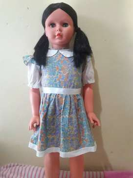 Lindas muñecas Alicias basa Perú