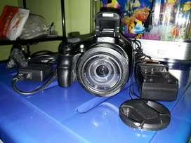 Cámara Sony HX400v con detalles