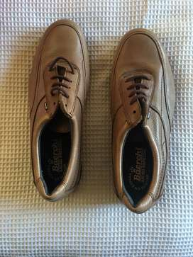 Zapatos nuevos cuero talla 42