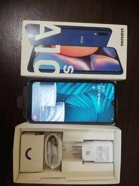 Samsung A10s en perfecto estado nuevo de paquete de 32 gb