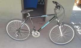 Vendo bicicleta Mountain bike rodado 26 en buen estado