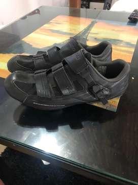 Zapatillas con pedales y calas