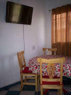 Alquilo casita interna en Mar del Plata a 4 cuadras del mar para 4 personas.