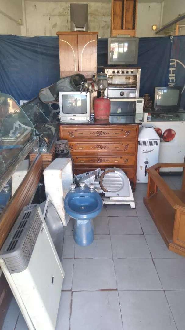 Vendo acepto mercadopago Calefón cómoda mesa ratona termotanque bidet cocina pileta 0