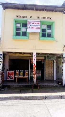 Casa con Locales Comerciales en Colimes