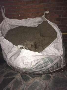 Bolson de arena y cemento