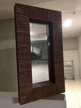 Espejo marron tejido