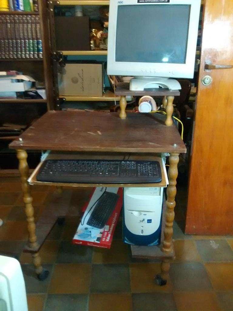 Mesa escritorio para Computacion de madera 0