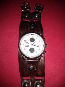 Vendo reloj muñequera de cuero