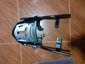 Parrilla moto FZ16