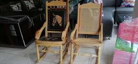 sillas en mimbre y cuero