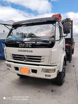 Camión Dongfeng 7.15 ton, con Plataforma y Brazo Grúa Pk 10000