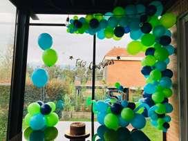 Decoración de globos, mesas de dulces, baking para tus fiestas y más.