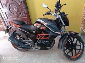 Moto semi nueva Jettor modelo deportiva