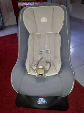 Silla de auto para bebé en bueno Estado