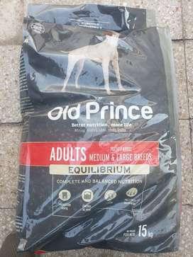 Alimento Old Prince Equilibrium para perro adulto de raza mediana/grande sabor pollo/arroz en bolsa de 15kg