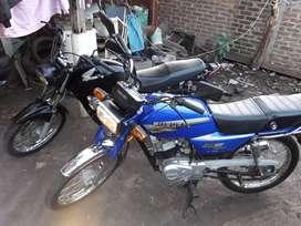 Suzuki ax 100 se la compre al primer y unico dueño esta impecable la moto
